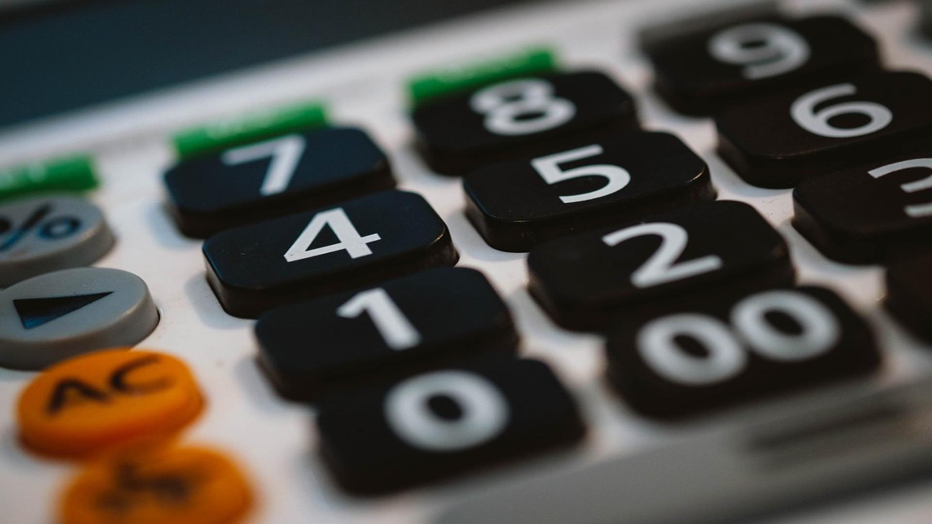 Criação de medida excepcional de compensação ao aumento do valor da retribuição mínima mensal garantida.